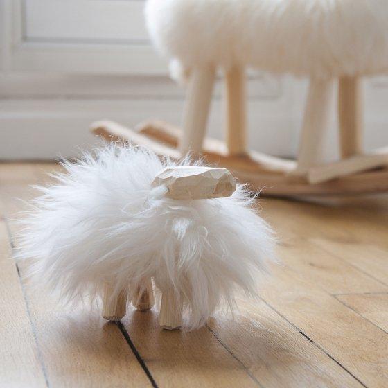 Petit mouton en bois et laine