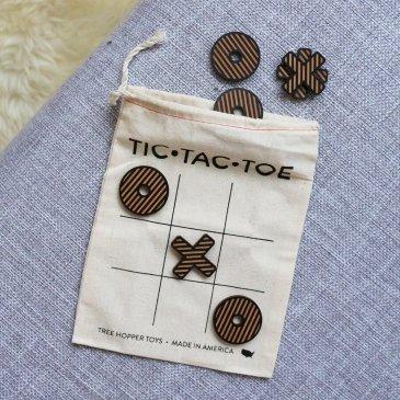 Tic-Tac-Toe de voyage en bois