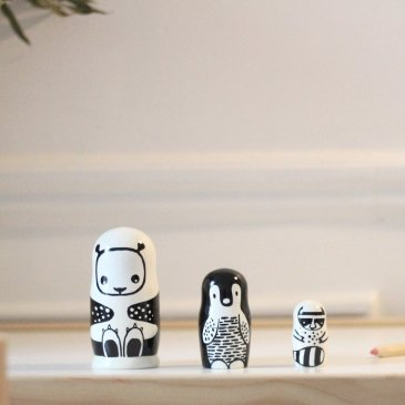 Poupées russes black & white