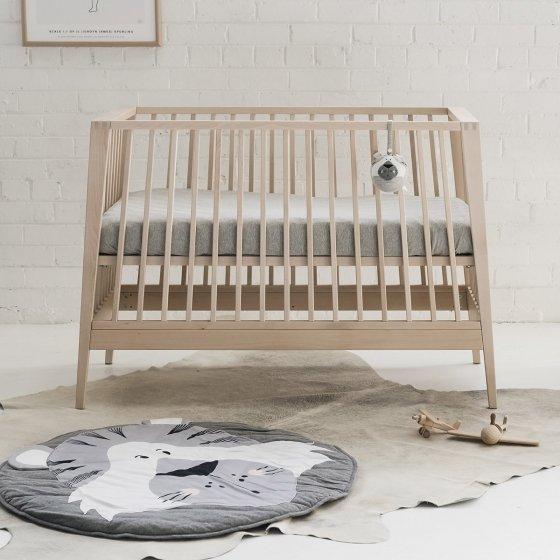 hochet suspendre les petits raffineurs. Black Bedroom Furniture Sets. Home Design Ideas