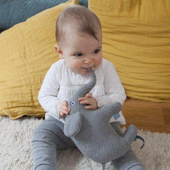 Éléphant en tricot