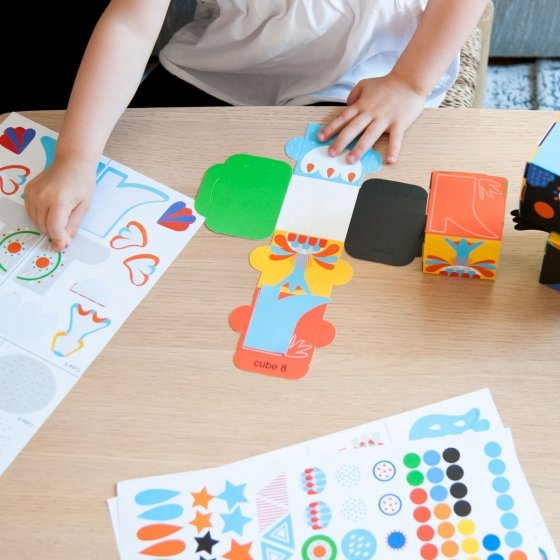 Cubes à personnaliser avec des stickers