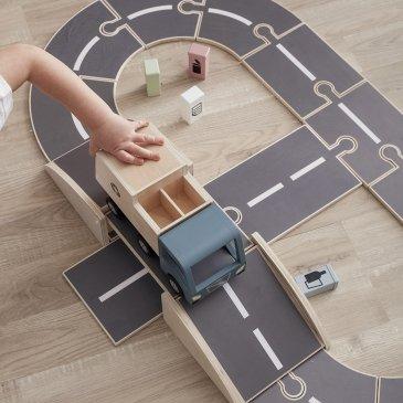 Circuit de voiture en bois